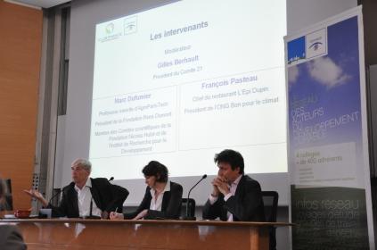 Marc Dufumier, Sarah Schönfeld et François Pasteau